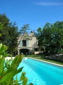 Entre Uzès et le Pont-du-Gard: 2 gîtes + piscine